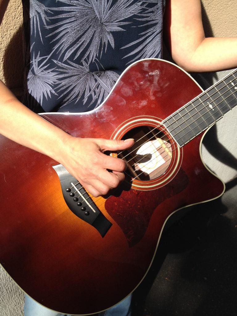 Die neue Red Box Gitarre.
